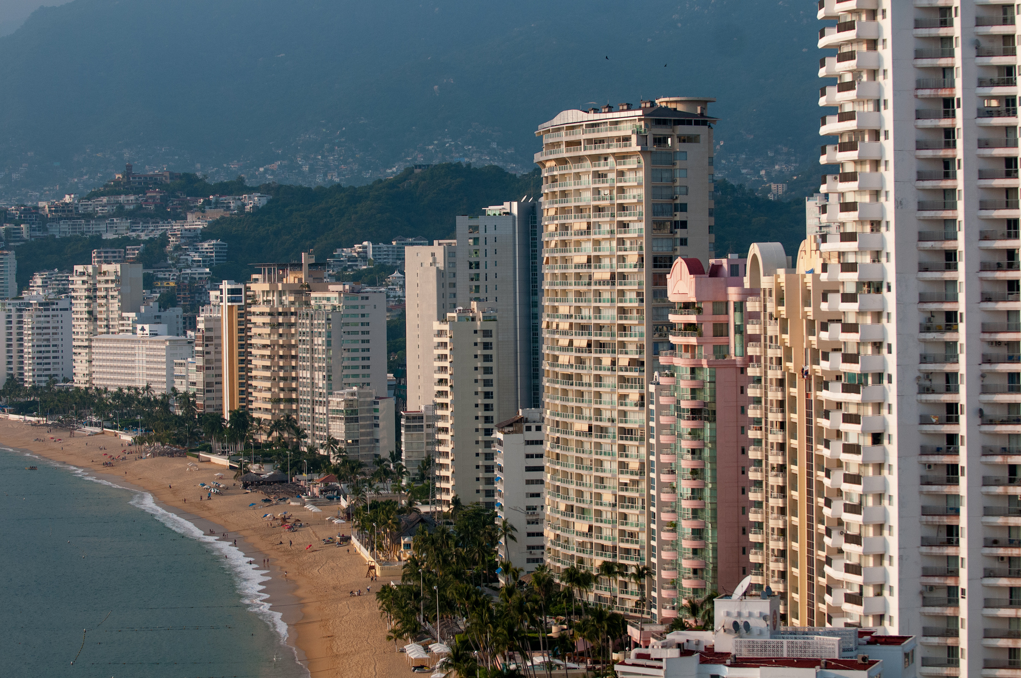 Dry season is the best time to visit Acapulco ...  Credit: Acapulco by CC user eneas on Flickr